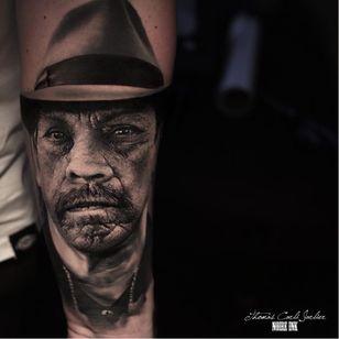 Danny Trejo #ThomasCarliJarlier #realismo #realism #portrait #retrato #fotorrealismo #blackandgrey #pretoecinza #photorealism #dannytrejo #machete #actor #ator #movie #filme #man #homem #hat #chapeu #abstrato #abstract