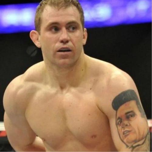 Alan Belcher. #UFC #UFCTattoos #CrazyTattoo #JohnnyCash #AlanBelcher
