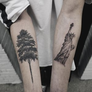 Central Park Trees and the Statue of Liberty. Tattoo by Sol tattoo #soltattoo #sol #newyorktattoos #newyorkcity #NYC #blackandgrey #realism #realistic #hyperrealism #illustrative #tree #statueofliberty #statue