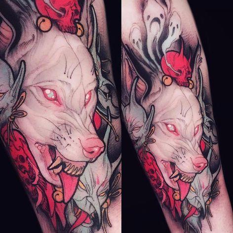 Por Brando Chiesa! #BrandoChiesa #WhiteTattoo #Neotrad #Newtraditional #Oriental #Orientaltattoo #Japanesetattoo #wolf #wolftattoo #lobo #lobotattoo
