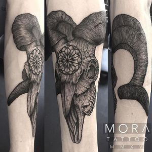 Ram Skull Tattoo by Simon Mora #ramskull #ramskulltattoo #blackworkramskull #blackwork #blackworktattoo #blackworktattoos #blackworkartists #uktattoos #contemporarytattoos #darktattoos #blackink #SimonMora
