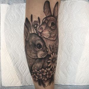 Blackwork bunnies by Jhon Rodriguez. #blackwork #flower #rabbit #bunnies #JhonRodriguez