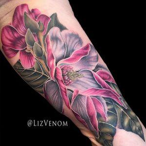 Magnolias by Liz Venom (via IG-lizvenom) #realism #painterlystyle #lizvenom #flower #flowers