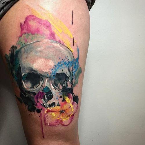 Skull Tattoo by David Giersch #skull #skulltattoo #watercolor #watercolortattoo #watercolorrealism #portraitrealism #colorrealism #DavidGiersch