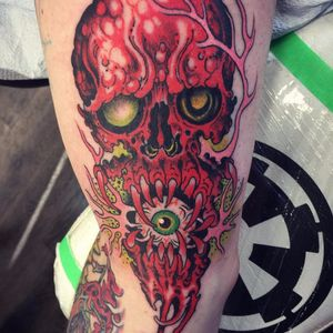Oozing skull eating eyeball by Wendy Pham #WendyPham #newschool #color #skull #fangs #eyeball #blood #guts #death #goo #red #horror #tattoooftheday