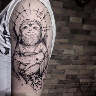 Melhor tatuagem que você respeita #TyagoCompiani #tatuadoresbrasileiros #tatuadoresdobrasil #sketch #blackwork #preguiça #baleia #whale