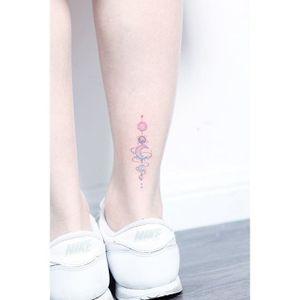 Planetary ankle. (via IG - hktattoo_mini) #micro #mini #small #minilau #cosmic #pastel #space