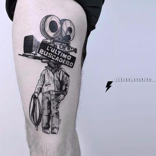 Luz, camera, ação! #SerenaCaponera #gringa #blackwork #grafico #graphic #vintage #camera #movie #filme #filmadora #homem #man #cinema #colagem #collage