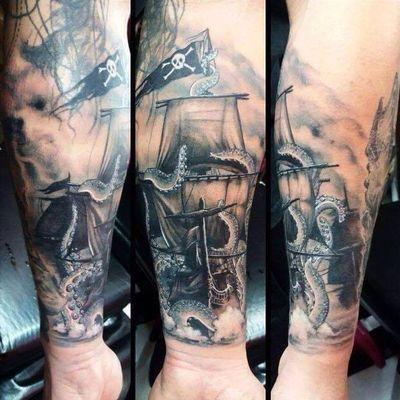 #SuliéePepper #TatuadoraBrasileira #tatuadorasbrasileiras #polvo navio #octopus #boat #realism #realismo