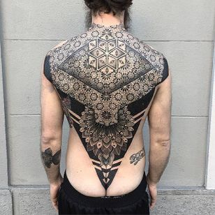 Geometric Tattoo by Marco Marini #geometric #blackgeometric #blackgeometry #patternwork #blackink #italianartist #MarcoMarini
