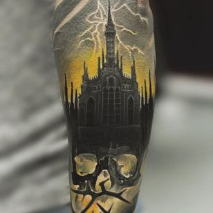 Gothic horror scene, by Cyril Matusevich (via IG—renortattoo) #realism #portraits #realistic #Russian