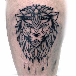 Leão indie #AsherWest #leao #lion #liontattoo #lionhead #felino #reidaselva #theking #animaltattoo #tatuagemdeaninais #blackwork #pontilhismo #dotwork