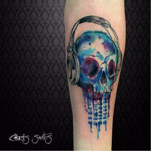 #ChrisSantos #musica #music #tatuadoresdobrasil #fones #headphones #colorida #colorful #caveira #skull #aquarela #watercolor