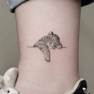 Baby tiger by Minnie #Minnie #minimalist #small #tiger #kitten #cub #blackandgrey #linework #dotwork #cat #junglecat #tattoooftheday