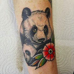 Panda and cub by Kenny Tea (via IG -- kennyteatattoo) #kennytea #flower #panda