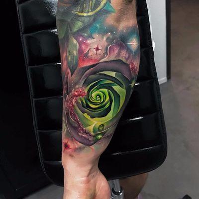 #AndresAcosta #tatuadorgringo #realismo #realism #coloridas #colorful #galaxia #galaxy #universo #universe #flor #flower #estrelas #stars