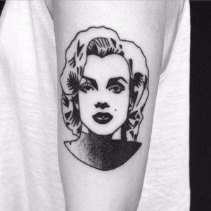 Marilyn Monroe blackwork hand poke portrait tattoo by Maks Mariańczuk. #MaksMarianczuk #BlameMax #handpoke #blackwork #sticknpoke #portrait #popculture #icon #MarilynMonroe
