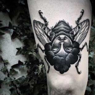 Flylady Tattoo by Matteo Al Denti #flylady #flytattoo flywoman #blackwork #blackworktattoo #blackworktattoos #blackworktattooing #blackworkartists #blackworkdesigns #blackink #darktattoos #MatteoAlDenti