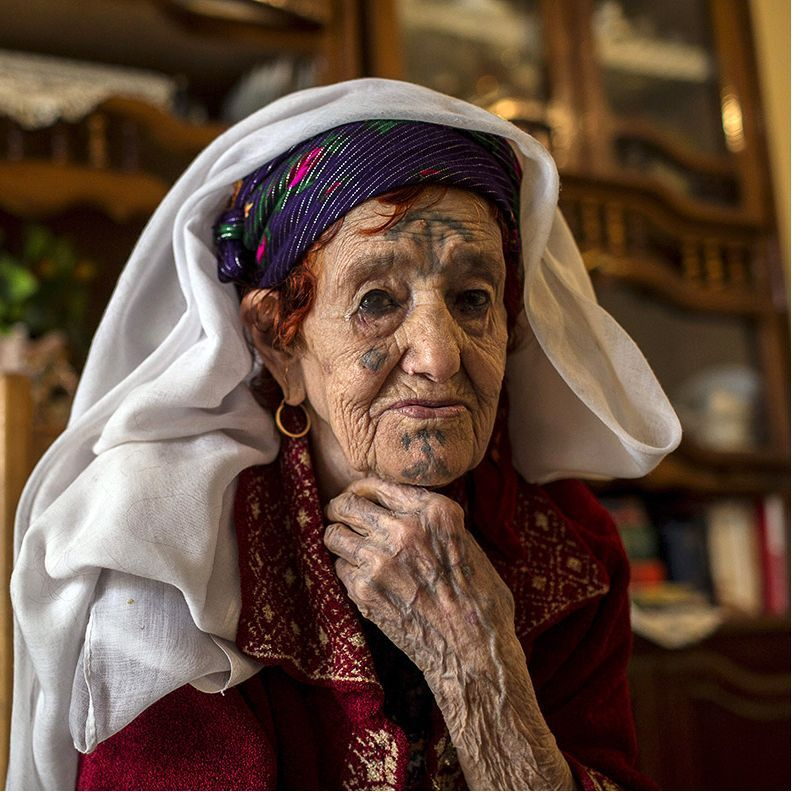 Berber Woman, Algeria #Badass #Tattooed #Elders #Grandma #ElderlyWomen #Woman #Berber #BerberWoman #Algeria #tattooedgrandma
