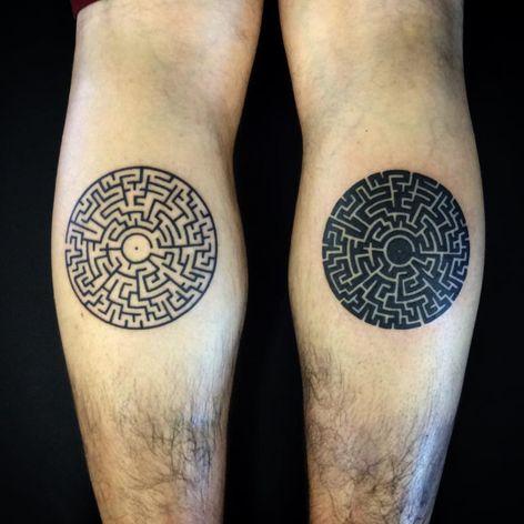 A pair of inverted labyrinths by Dylan Derry (IG—zuultattooer). #blackwork #maze #labyrinth