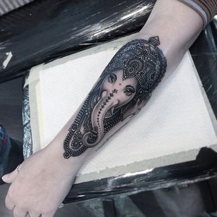 Black and Grey Ganesha by fan fave Flo Nuttall. #PagodaCityTattooFest #FloNuttall #Ganesha #tattoofest