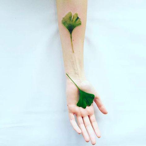 Delicate green leaf Tattoo by Pis Saro @Pissaro_tattoo #PisSaro #PisSaroTattoo #Nature #Watercolor #Naturetattoo #Watercolortattoo #Botanical #Botanicaltattoo #Crimea #Russia