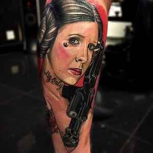 #BenHamill #CarrieFisher #PrincesaLeia #PrincessLeia #StarWars #GuerraNasEstrelas #gun #arma