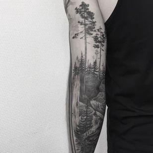 Tree Tattoo by Johannes Folke #tree #blackworktree #blackwork #blackink #illustrative #JohannesFolke