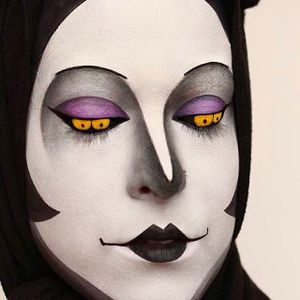 Amazingly creepy Makeup Art by @Pompberry #Pompberry #Makeup #Art #PompberryMakeupArt