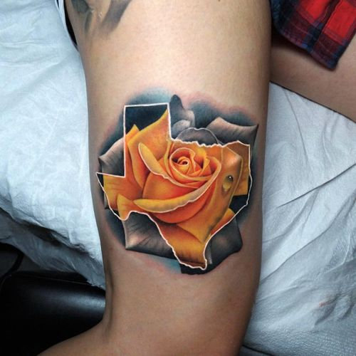 Yellow rose of Texas (IG-@acostattoo) #YellowRoseOfTexas #Texas #texastattoo #roses #yellowrose #andresacosta #realism #traditional