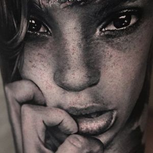 Thomas Carli Jarlier details of a Cristina Otero photo #thomascarlijarlier #cristinaoterophoto #portrait #realistic #blackandgrey #tattoooftheday