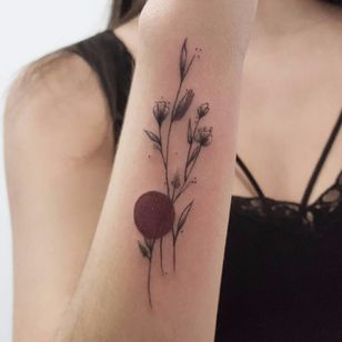 #TuanyHase #tatuadorasdobrasil #botanica #botanical #blackwork