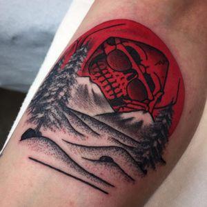One of Frankie Caraccioli's mountainy Death in Paradise tattoos (IG—death_cloak). #DeathinParadise #FrankieCaracciolo #GrimReaper #reaper #traditional