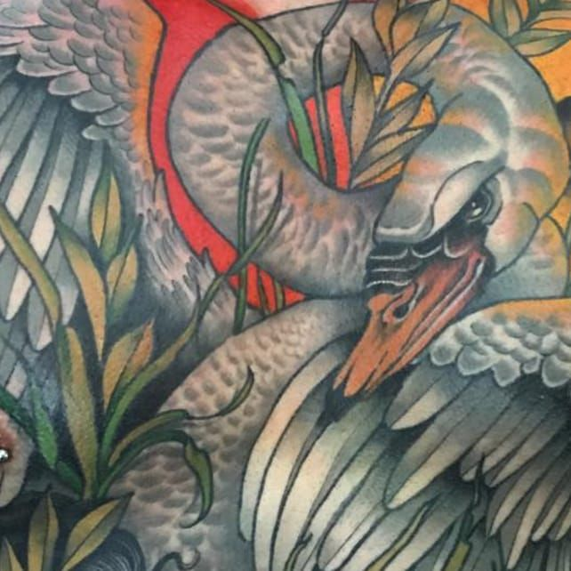 Zeus as a swan in @Guen_Douglas torso piece of the Greek myth (IG—guendouglas). #GuenDouglas #LedaandtheSwan #mythology #neotraditional