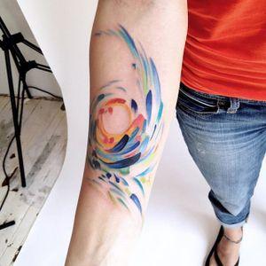 This swirl of color by Amanda Wachob (IG—amandawachob) is absolutely gorgeous. #abstract #AmandaWachob #freeform #watercolor