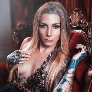 Teneile Napoli #tattooedmodel #tattooartist #garageinkstudio Photo by Hugo V Photography via Instagram @hugovphoto