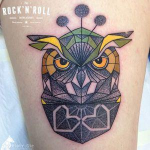 Geometric owl tattoo by Piotr Gie #PiotrGie #graphic #dotwork #geometric #owl