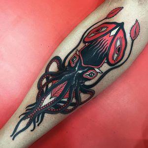 Squid Tattoo by Alejandro Lopez #squid #squidtattoo #neotraditionalsquid #neotraditional #neotraditionaltattoo #neotraditionaltattoos #neotraditonalartist #AlejandroLopez
