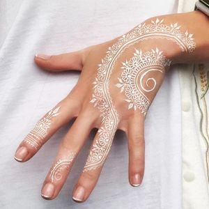 Henna tattoo by Rachel Goldman. #RachelGoldman #bellahenna #henna #mehndi #temporary #hennaart