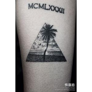 Dotwork tattoo by Dylan Kwok #desertisland #DylanKwok #dotwork #beach #coconuttree