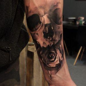 Glen Preece. #caveira #skull #flor #flower #GlenPreece