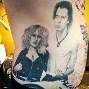 A black and grey portrait of Sid and Nancy by Lee Woods (IG—tattooersarms). #blackandgrey #LeeWoods #portraiture #realism #SexPistols #SidandNancy