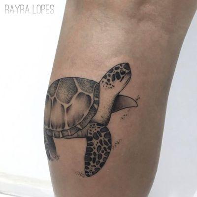 #RayraLopes #brasil #brazil #TatuadorasDoBrasil #blackwork #brazilianartist #turtle #tartaruga #pontilhismo #dotwork