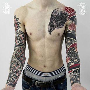 Ornamental Tattoo by Billy Heil #Ornamental #OrnamentalTattoos #OrnamentalBlackwork #GraphicTattoo #GeometricTattoos #PatterTattoos #LineworkTattoos #BillyHeil