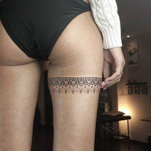 Delicate leg band by @mangust_tattooer #MangustTattooer #band #ornamental
