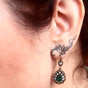 Tattoo done at Red Cat Tattoo Factory via instagram @redcattattoo #earlobe #earlobetattoo #minimalistic #minimalism #flower