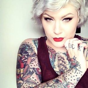 Dallas rocks the silver hair look Photo from Dallas Valentine on Facebook #DallasValentine #plusmodel #tattooedbabes #AmericanTraditional #model #pinup #glamor