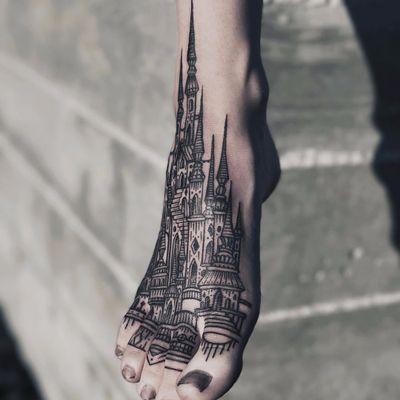 Thieves of Tower toes by Houston Patton #HoustonPatton #thievesoftower #castlebasas #linework #blackwork #castle #tower #stairs #spires #dotwork #geometric #landscape #tattoooftheday