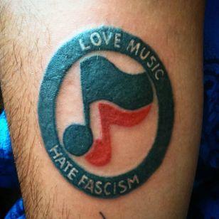 Love music hate fascism (via IG -- lkrg77) #antiracist #antiracisttattoo #antiracism #antiracismtattoo