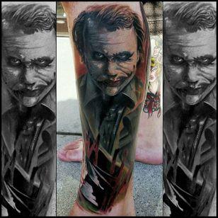 Heath Ledger Joker Tattoo by Christopher Bettley #Joker #Portrait #PortraitTattoos #ColorPortraits #PortraitRealism #ChristopherBettley